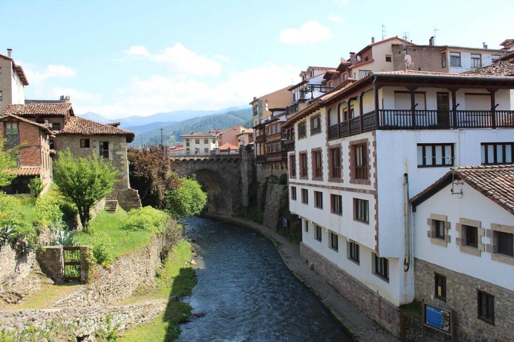 Potes and river Quiviesa